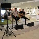 Rolf Roosalu muusikaelamust pakkumas
